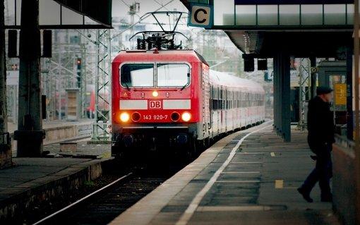 Schlägerei legt Zugverkehr lahm