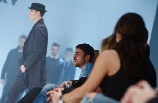 bNoah Becker/b interessierte sich auch für die Mode von Michael Michalsky. Foto: dpa