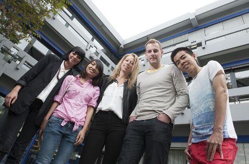Internationale Studenten auf dem Campus in Reutlingen. Foto: Karl Scheuring