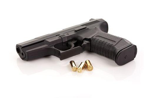 Die Zahl der Waffenbesitzer  ist deutlich gesunken