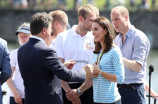 Kate und William als Steuermänner auf dem Neckar