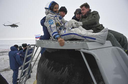 Drei Raumfahrer sicher zur Erde zurückgekehrt