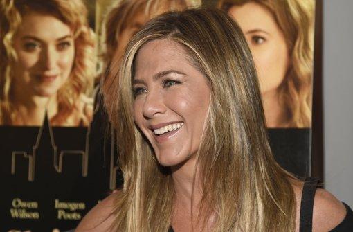 Jennifer Aniston zeigt ihren Ehering