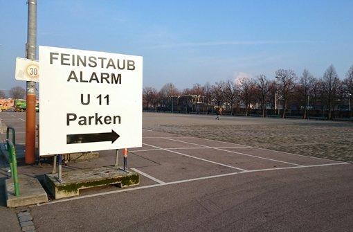 Kaum ein Stuttgarter lässt das Auto stehen – trotz Feinstaubalarms. Foto: Rosar