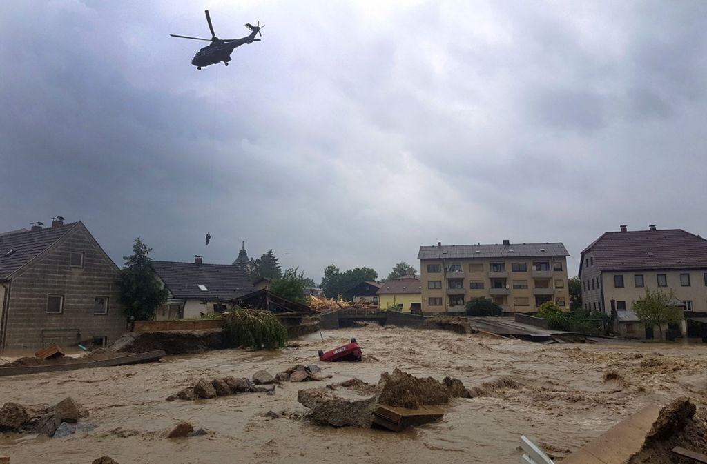 Wasserfluten Allerorten Wegen Unwetterwarnungen Müssen Zehntausende