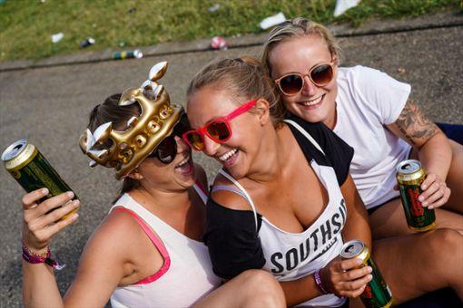 Party-Stimmung bei 60.000 Feierwütigen