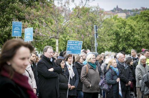 Wissenschaftler demonstrieren für freie Forschung