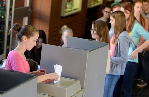 Dieses Jahr gibt es so viele Erstwähler bei der Kommunalwahl wie nie zuvor - erstmal dürfen auch 16-Jährige an die Urnen. Foto: dpa