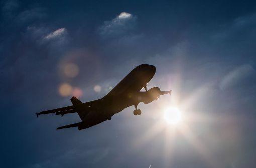 Flugpassagiere rufen Polizei nach vier Stunden Stillstand