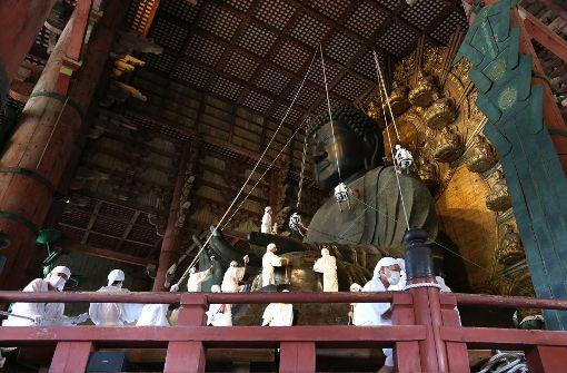 Der Große Buddha wird entstaubt