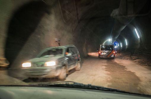 Strobl und Kuhn bei Tunnelfeier dabei