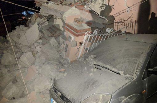 Mindestens zwei Menschen bei Erdbeben gestorben