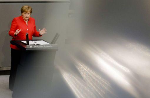 """Bundeskanzlerin äußerte sich in der ARD-Sendung """"Farbe bekennen"""" über die umstrittenen Transitzentren. Foto: AP"""