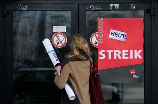 Die Warnstreiks im öffentlichen Dienst sind am Mittwoch überwiegend in Stuttgart fortgesetzt worden. Universitäten, Landesbibliothek, Wilhelma, Staatsgalerie und Statistisches Landesamt sind betroffen. Foto: dpa