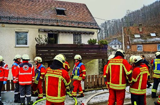 Zwei Menschen ersticken bei Brand