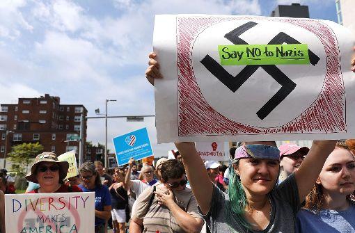 Tausende protestieren gegen Rassismus und Hass