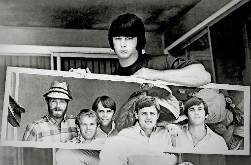 Die Mitglieder Der Kalifornischen Rockband The Beach Boys Mike Love Al Jardine Carl