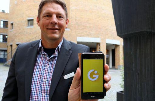 Georg Meyer macht sich für die Willkommens-App in Fellbach stark. Foto: Eva Herschmann