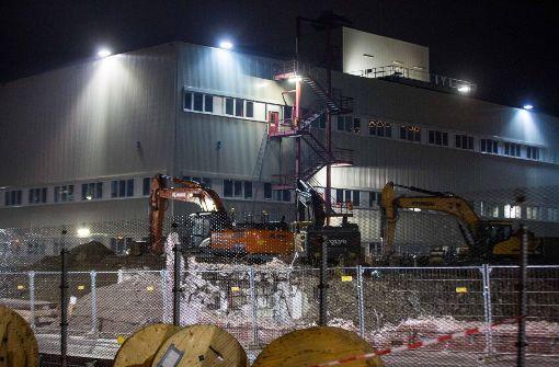 In der Nacht zu Freitag wurde eine Fliegerbombe auf dem Daimler-Werksgelände in Sindelfingen entschärft – die zweite in dieser Woche. Foto: 7aktuell.de/Simon Adomat