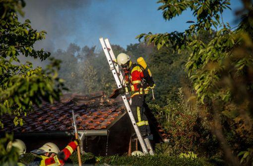 Unbekannte haben im Kreis Esslingen offensichtlich vorsätzlich mehrere Brände gelegt. Foto: SDMG