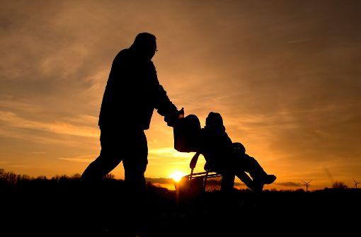 Deutsche Männer übernehmen immer häufiger zum Schein Vaterschaften. Mit den Kindern haben sie jedoch biologisch nichts zu tun. Foto: dpa