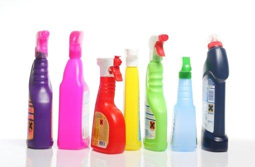 Desinfektionsmittel beim Putzen und Waschen? Nicht die beste Idee, meint der Hygieneexperte Ernst Tabori. Weitere Tipps finden Sie in unserer Bildergalerie. Foto: Heiko Barth/Fotolia