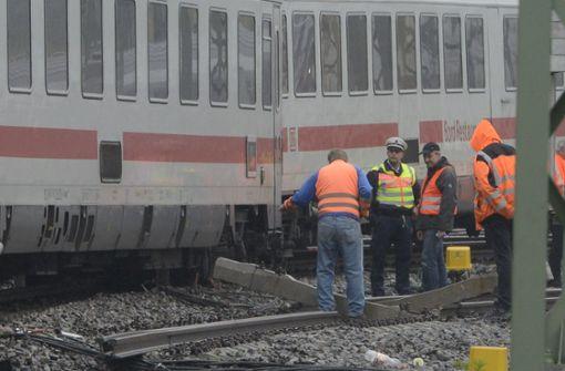 Unfallgleis 10  bald wieder für alle Züge offen?