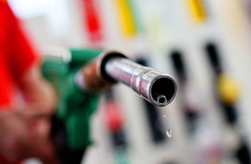 16-Jähriger bricht in Tankstelle ein