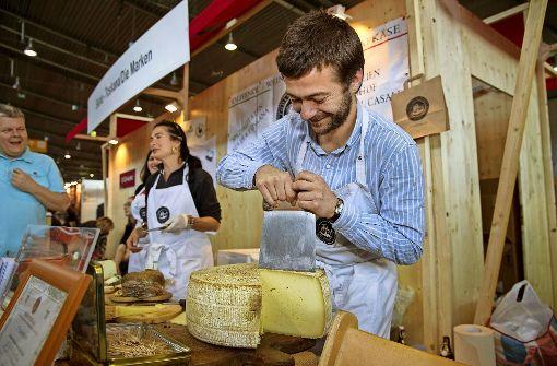 Käse und Wein ist eines der vielen Themen auf der Slow-Food-Messe. Foto: Eppler