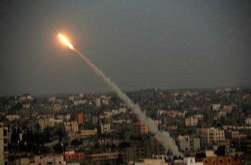 Israelis und Palästinenser im Sog der Gewalt