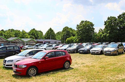 Auf dem Parkplatz am Ostfilderfriedhof könnte das Bürgerzentrum entstehen. Foto: Holowiecki