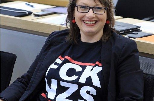 Anti-Nazi-Shirt von SPD-Abgeordneter sorgt für Aufsehen