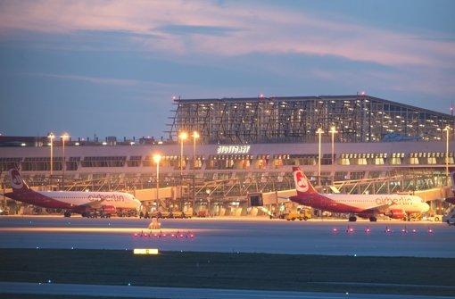 Will sich in ein paar Jahren via Pipeline mit Treibstoff versorgen: der Stuttgarter Flughafen. Foto: dpa