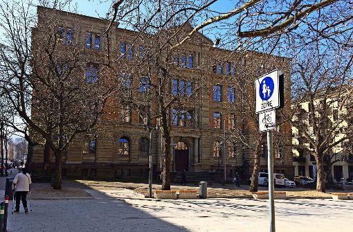 Zaun fürs Karlsgymnasium ist eingeknickt
