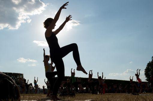 Yoga üben für das Kinderhospiz Stuttgart