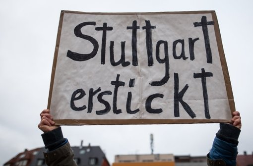Der Feinstaubalarm soll die Luft im Stuttgarter Talkessel verbessern. (Archivfoto) Foto: dpa