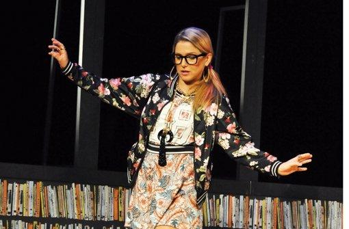 Friseurin mit literarischen Ambitionen: Jeanette Biedermann als Rita Foto: Jürgen Frahm