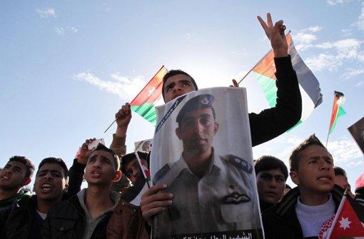 Jordanien fliegt Vergeltungsangriffe