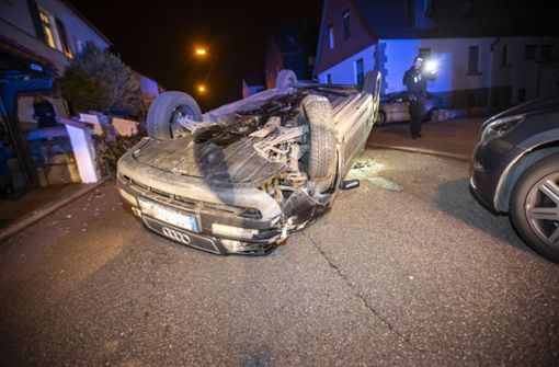 20-Jähriger betrunken unterwegs – Audi landet auf dem Dach