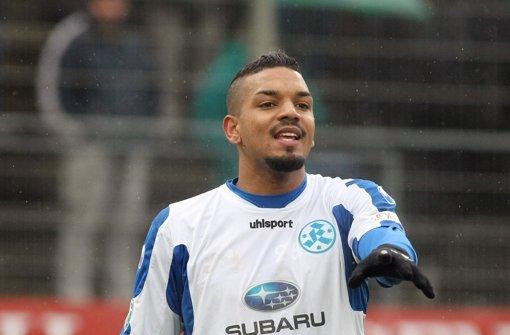 Rechtzeitig fit fürs Derby im Gazistadion: Kickers-Abwehrspieler Nick Fennell: Foto: Pressefoto Baumann