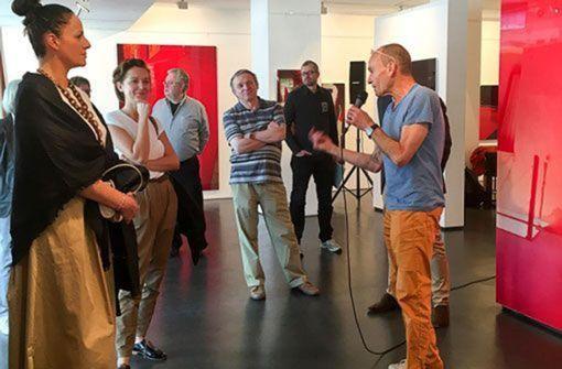 """Der StN-""""Ortstermin"""" macht es möglich: Begegnung mit künstlerinnen und Künstlern am Galerienwochenende """"Art Alarm""""  Foto: Galerie Schlichtenmaier"""