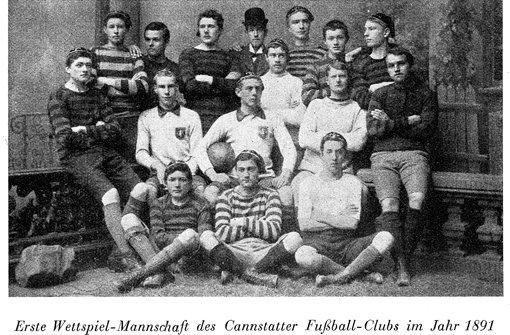 Fußball-Geschichte: Deutscher Fußball schlüpft in