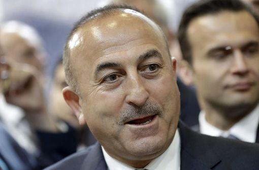 Der türkische Außenminister Mevlüt Cavusoglu soll nach Frankreich kommen. Foto: AP