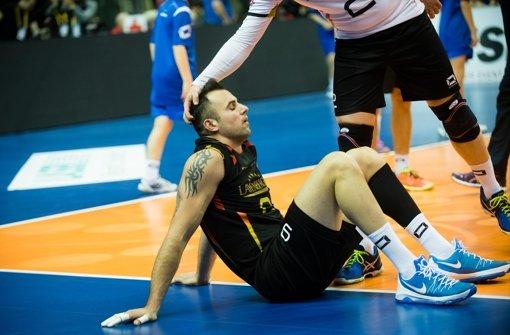Kein guter Tag für das deutsche Volleyball-Team:  Grozer ist untröstlich Foto: dpa