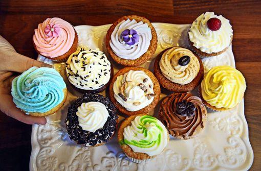 Tipp 2: Süßes ist von nun an nur noch am Wochenende erlaubt. Das heißt aber nicht, dass man auf das Dessert komplett verzichten muss: Ein Stück Obst, ein Smoothie, eine Schale Obstsalat oder auch eine Handvoll Nüsse können Zucker-Junkies den Entzug erleichtern.   Foto: dpa