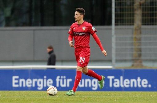 Beim Testspiel gegen die SG Sonnenhof Großaspach hat sich der Neuzugang des VfB Stuttgart, Federico Barba, eine Verletzung zugezogen. Foto: Pressefoto Baumann