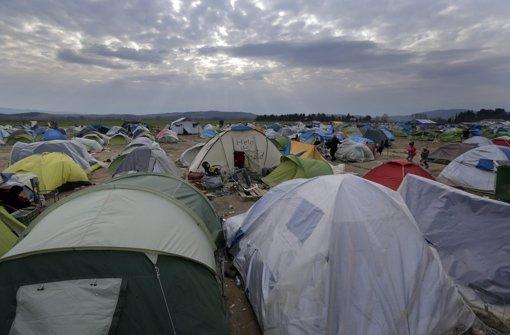 In einem Zelt im Flüchtlingslager von Idomeni ist ein Mädchen auf die Welt gekommen. (Symbolbild) Foto: dpa