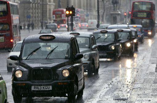 Autofahrer müssen ab Oktober zehn Pfund zahlen
