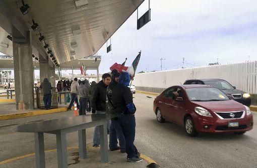 Demonstranten übernehmen Kontrolle an US-Grenzübergang