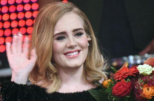 Adele ist unter der Haube